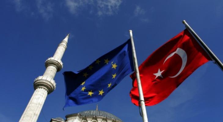 Турция отменяет визы для граждан ЕС, но...