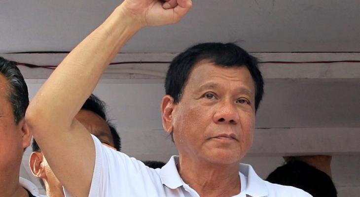 Президент Филиппин Родриго Дутерте заявил о намерении расширить торговые связи с Россией и Китаем. А вот США, по его словам, ждет дальнейшее охлаждение.