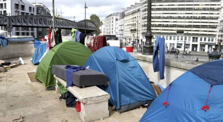 Помочь чужим или угодить своим? Власти Парижа стали на опасный путь провокации социального взрыва