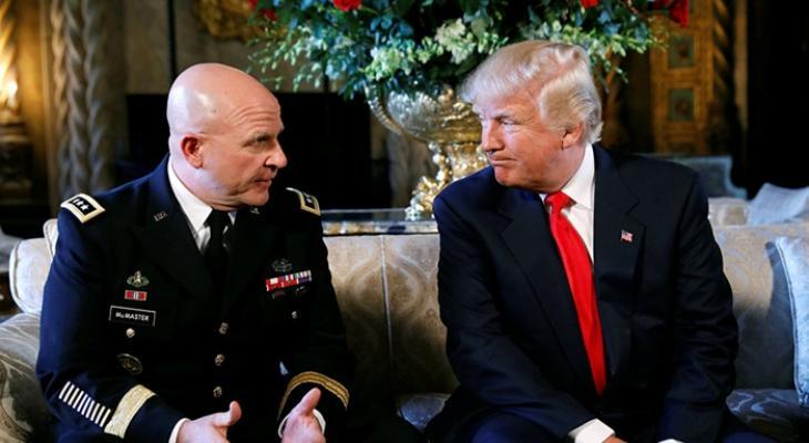 Советник президента США по нацбезопасности Г. Макмастер и президент США Дональд Трамп