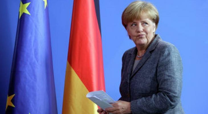 """Политика """"открытых дверей"""" закрыла для Меркель дверь в большую политику"""