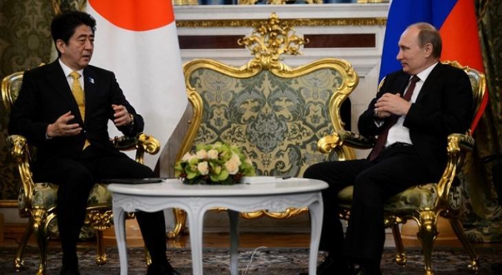 Президент России Владимир Путин и японский президент Синдзо Абэ