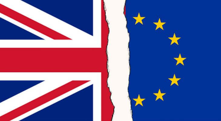 Финансовый сектор Великобритании может потерять свыше 38 миллиардов фунтов стерлингов ежегодных доходов в случае проведения процедуры выхода страны из состава Евросоюза в жестком режиме.