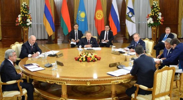 Путин выступил на заседании ЕАЭС в Астане